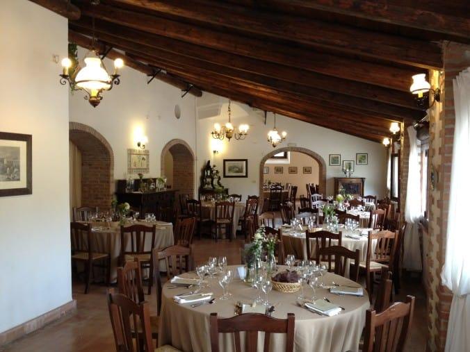 Uno dei tanti allestimenti nelle sale della Masseria La Morella durante un matrimonio