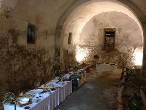 Passeggiata enogastronomica nella cantina della Masseria La Morella Ricevimenti