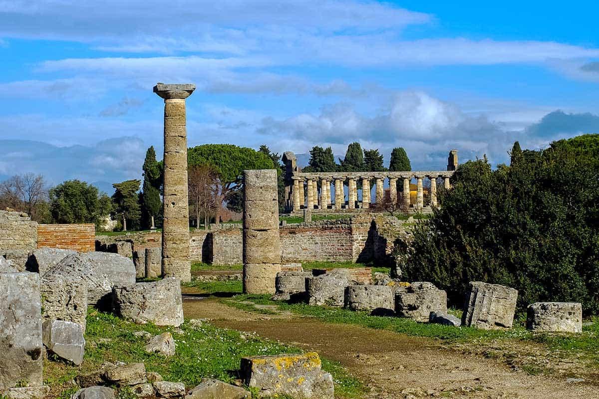 Via Sacra nei Templi di Paestum